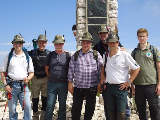 Monte Ortigara - un momento di preghiera sul cippo austriaco